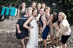 Selfie bruid en vriendinnen Bob-photos.com