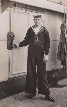 HMS Newcastle English sailor 1910