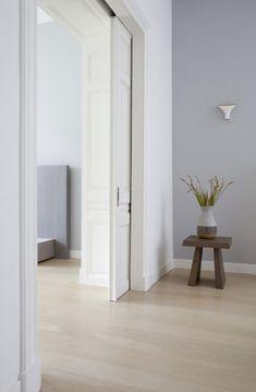 Stylishly renovated home in neutral colors in The Netherlands Home Room Design, Interior Design Kitchen, House Design, Interior Door, Glass Cabinet Doors, Door Trims, Rustic Doors, Room Doors, Pocket Doors