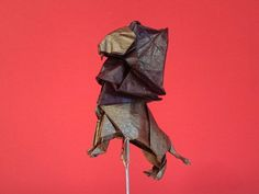 Variación del León creado por Beth Johnson, plegado por mi en papel Crumpled metallic de 35x35