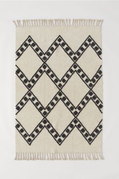 Patterned Wool-blend Rug - Light beige/checked - Home All Wool Carpet, Diy Carpet, Rugs On Carpet, H & M Home, Harlequin Pattern, Simple Prints, Braided Rugs, Jacquard Weave, Rugs Online