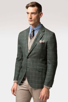 A touch of the evergreen and true luxury, our green check fabric was woven in Italy By Loro Piana exclusively for Hackett. Expect the finest blend of wool, silk and linen that ensures this piece feels luxurious to the touch and stands the test of time a true staple of our spring/summer wardrobe.