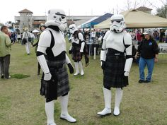 I think I met these guys at a rennie fair :o) Scottish Dress, Scottish Kilts, Men In Kilts, Kilt Men, Tartan Men, Celtic Festival, Celtic Music, Belly Laughs, Good Looking Men
