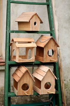 Casas para pájaros en construcción Bird Houses under construction