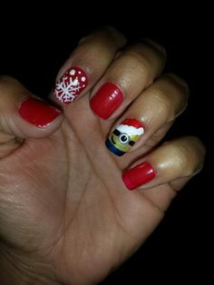 Christmas minion nails
