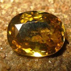 Batu Permata Natural Zircon Berkilau Orangy Yellow Oval 2.67 carat