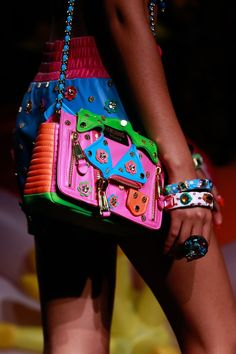 BagAddicts Anonymous: Moschino Resort 2017 Runway and Bags Report