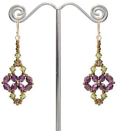 Printemps Earrings ~ Free Pattern at www.aroundthebeadingtable.com