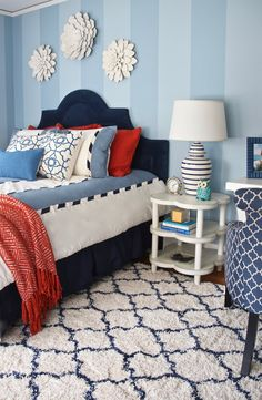 Times running out to style for back to school! Get inspired by this college room makeover by Meme Hill Studio.