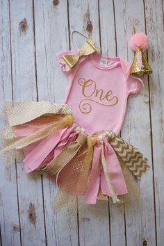 Girls First Birthday Outfit Shabby Chic Birthday Girls Smash Cake Outfit Photo birthday tutu first birthday tutu 1st Birthday Tutu, First Birthday Outfits, Gold Birthday, Girl First Birthday, Princess Birthday, First Birthday Parties, First Birthdays, Cumpleaños Shabby Chic, Kelsey Rose