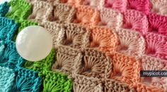 Stitch of the week for today is the Box Stitch. This stitch is pretty in a single color yarn but really comes into its own when worked in rows of graduating colors, or in alternating colors. This tutorial uses both US and British terms so you can't get confused, and comes with step by step …