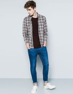 Casual x Pull & Bear Skinny Guys, Super Skinny Jeans, Teen Boy Fashion, Mens Fashion, Fall Fashion, Fashion Trends, Stylish Men, Men Casual, Mode Alternative