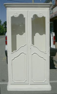 this dated pine piece is transformed with Cottage Paint