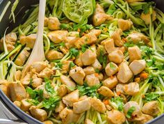Zucchini Noodles with Chicken, Cilantro and Lime is delicious 20 minute, healthy and gluten free dinner idea. If you don't have a spiralizer, just chop zucchini. Clean Eating Recipes, Diet Recipes, Healthy Eating, Cooking Recipes, Healthy Recipes, Zucchini Spagetti, Making Zucchini Noodles, Cilantro Lime Chicken, Stuffed Hot Peppers