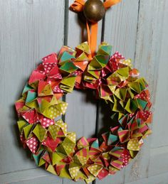 Paper box chain wreath £5.99