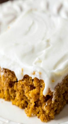 Pumpkin Spice Sheet Cake with Cream Cheese Frosting norwex halloween Just Desserts, Delicious Desserts, Dessert Recipes, Yummy Food, Bar Recipes, Food Cakes, Cupcake Cakes, Cupcakes, Gastronomia