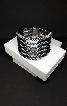 Blacka elegant bracelet, Black cuff bracelet, Avant garde jewelry, Black metal bracelet, Creative jewelry, Industrial bracelet Black Metal, Industrial Earrings, Zipper Jewelry, Textiles, Minimalist Earrings, Metal Bracelets, Unique Necklaces, Bracelet Making, Etsy