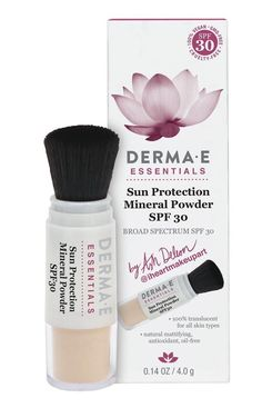DERMA E Sun Protection Mineral Powder SPF 30 is a translucent non-nano mineral powder that can be worn on its own or over makeup for a natural, flawless look. San Fernando, Mineral Powder, Vegan Beauty, All Things Beauty, Sun Protection, Beauty Routines, Skincare Routine, Sunscreen, Natural Skin