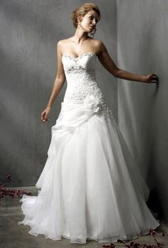 A-line Sweetheart Floor-length Organza White Wedding Dress With Applique at Msdressy Elegant Wedding Dress, Bridal Wedding Dresses, White Wedding Dresses, Elegant Dresses, Beautiful Dresses, Wedding White, Bride Dresses, Prom Dresses, Formal Dresses