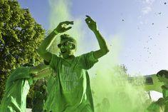 The Color Run - Bucureşti 2014 The Color Run, Raincoat, Events, Running, People, Fashion, Rain Jacket, Racing, Moda