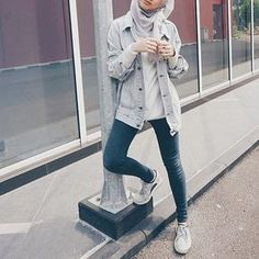 31 Ideas Clothes Inspiration Tomboy For 2019 Hijab Casual, Hijab Style, Hair Style, Modern Hijab Fashion, Muslim Fashion, Trendy Fashion, Trendy Style, Jean Jacket Outfits, Outfit Jeans