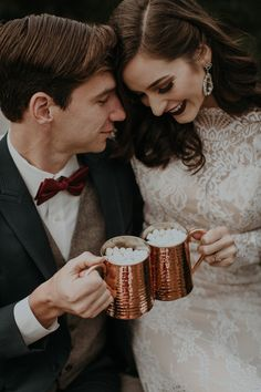 Hot cocoa toasts from this Christmas wedding inspiration | Image by B. Matthews Creative