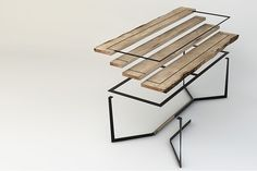 Quadro is a table made of reclaimed lumber coming from the venetian mooring posts called Briccole.