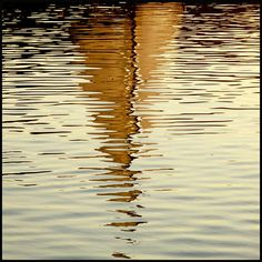 sailing, I really like reflections in the water Water Ripples, Water Waves, Water Art, Water Reflections, All Nature, Art Plastique, Photos, Pictures, Belle Photo