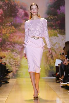 In the gardens of Eden, there is beauty all around and there is nothing more beautiful than a woman in Zuhair Murad's eye. The Lebanese designer offered a vision of its lovely denizens in his...