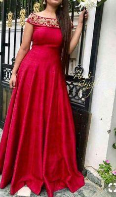 Sas Indian Designer Outfits, Designer Gowns, Frock Design, Lengha Design, Casual Dresses, Fashion Dresses, Gown Pattern, Indian Gowns, Anarkali Dress