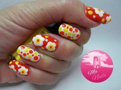 Dots n Daisies in red, white and yello. #dotted #nailart #nails #polish - bellashoot.com