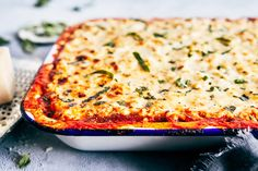 This sinfully delicious Spaghetti Squash Lasagna is made with all-natural marinara, part-skim ricotta cheese, and healthy spaghetti squash. It is from the Mindset. Spinach Recipes, Pasta Recipes, Dinner Recipes, Lasagna Recipes, Lasagna Food, Lunch Recipes, Spaghetti Squash Lasagna, Spaghetti Squash Recipes, Fixate Recipes