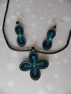 Quilled Pendent and earring set by Smilingarts on Etsy, $30.00