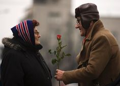Pictures of True Love - Couples in Love - Redbook Couples Âgés, Vieux Couples, Couples In Love, Elderly Couples, Cute Old Couples, Sweet Couples, Mature Couples, Married Couples, Still In Love