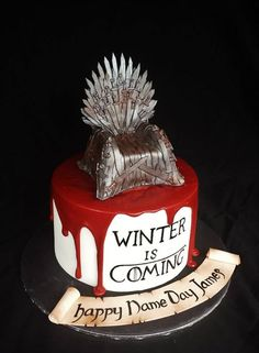 Love Game of Thrones? Make a cake inspired by the series! Here are a few of our favorite Game of Thrones cake designs by expert decorators. Bolo Game Of Thrones, Game Of Thrones Kuchen, Game Of Thrones Food, Game Of Thrones Theme, Pretty Cakes, Beautiful Cakes, Amazing Cakes, Game Of Thrones Birthday Cake, Game Of Trone