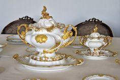 STŘÍPKY Z KULTURY I NEKULTURY: MÍSTO KAMENE PORCELÁN Baroque, Crown, Culture, Antiques, Handmade, Jewelry, Tea Time, History, Atelier