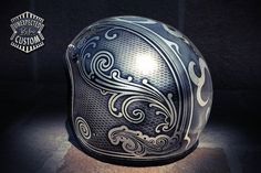 #airbrush - Old School Helmet by Ywnh at Unexpected Custom