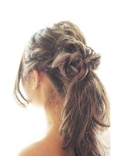 編み込みポニーテールヘアアレンジ(結婚式の髪型) アンククロス 池袋北口店 ゆるふわ大人可愛いポニーテール