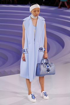 Anya Hindmarch   Ready-to-Wear Spring 2017   Look 36