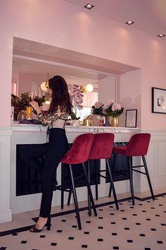 Party outfit Black cream jumpsuit lace pink restaurant