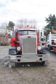 Big Rig Trucks, Tow Truck, Semi Trucks, Cool Trucks, Pickup Trucks, Peterbilt 359, Peterbilt Trucks, Motor Company, Cool Things To Make