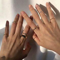 Grunge Accessories, Jewelry Accessories, Stylish Jewelry, Cute Jewelry, Hand Piercing, Accesorios Casual, Hand Jewelry, Bijoux Diy, Fantasy Jewelry