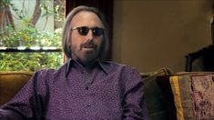 Tom Petty and the Heartbreakers's photos King Bee, Tom Petty, Toms, Singer, People, Mens Tops, Photos, Entertainment, Pictures