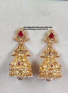 Gold Jhumka Earrings, Gold Bridal Earrings, Jewelry Design Earrings, Gold Earrings Designs, Jewellery Designs, Gold Necklace, Gold Temple Jewellery, Gold Wedding Jewelry, Gold Bangles Design