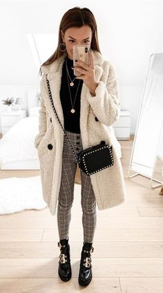 Tolle Outfit-Kombinationen 2019 outfits modewelt neuemodewelt 2019 Great outfit combinations 2019 outfits fashion world new fashion world 2019 Outfits London Outfit, Urban Outfitters Outfit, Fall Winter Outfits, Autumn Winter Fashion, New Fashion, Fashion Outfits, Fashion Mode, Italy Outfits, Neue Outfits