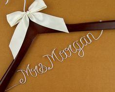 Personalized Wedding Hanger, Custom Bridal Wire Name Hanger, Bride or Birdesmaild Name Hanger WH001