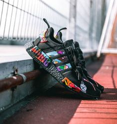 Adidas Kaws x NMD R1