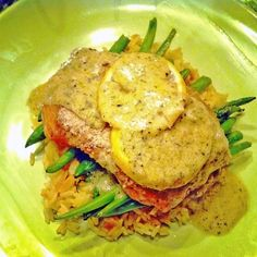 Salmon and Green Bean Foil Packets with Creamy Lemon Butter Sauce