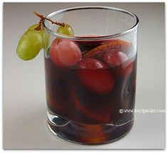 Grape Sangria is a delicious and lightly sweetened red wine sangria recipe highlighting red grapes and more fresh fruit. Wine Coolers Drinks, Fun Drinks, Yummy Drinks, Alcoholic Beverages, Cold Drinks, Best Red Wine, Dry Red Wine, Wine Tasting Near Me, Sangria Recipes