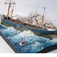 """The lost Ship"" North Sea Fishing Trawler (Revell 1/142) #scalemodel #plastimodelismo #plastickits #usinadoskits #udk #hobby #modelismo #modelisme #modelism #plasticmodel #plamodel #plastimodelo #passatempo #art #arte #miniatura #miniature #ship #revell #diorama #dio #vinheta #vingnette"